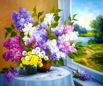 Цветы на столе у окна
